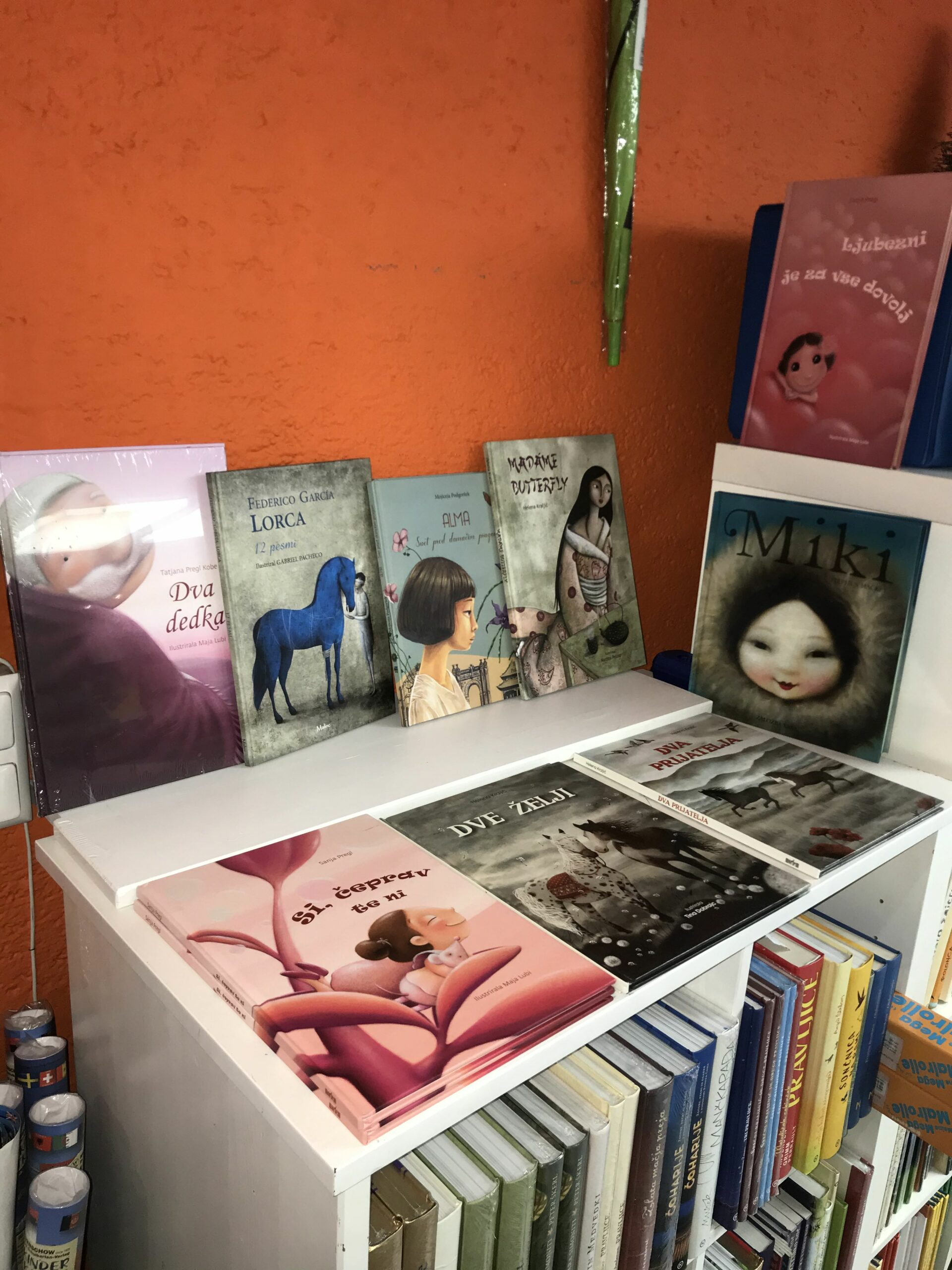 🌞Otroški oddelek se spreminja / Die Kinderbuchabteilung verändert sich 🌞